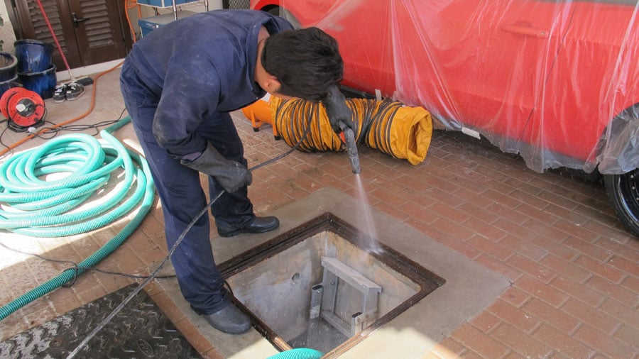 cement water tank cleaning